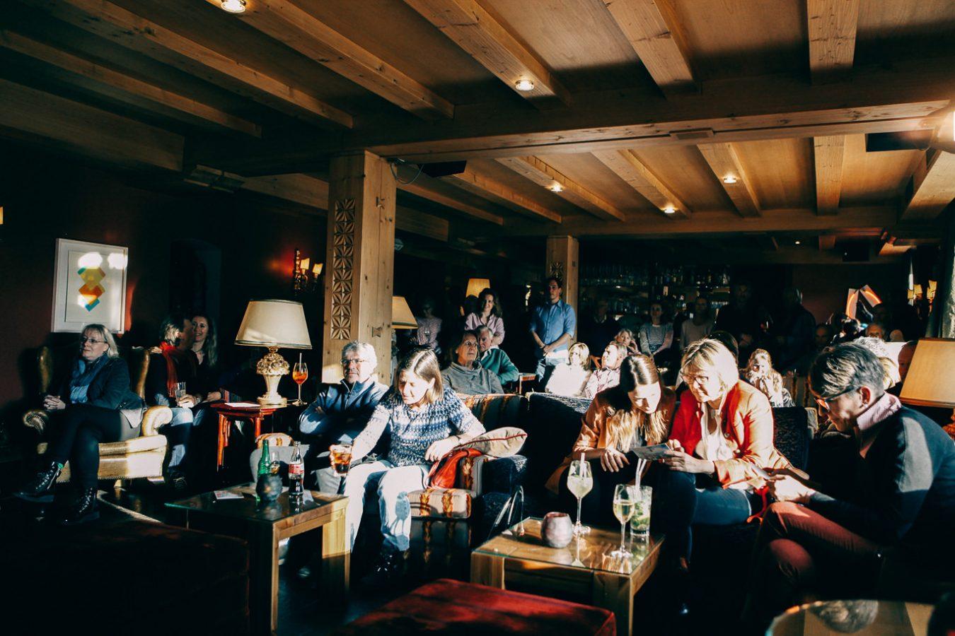 Lech am Arlberg Apres Ski Publikum