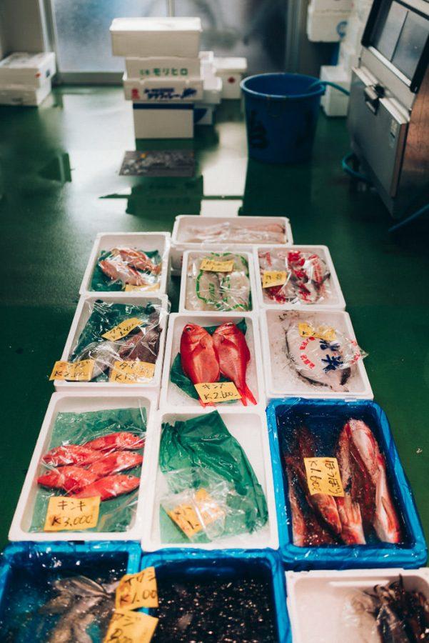 Kirstin Tödtling in Tokio am Fischmarkt